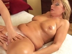 Mature Rosalyn widens for neighbor lad