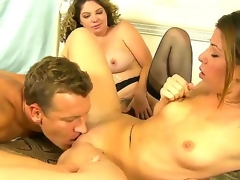 Lusty golden-haired Kiki Daire and cute Mia Gold with skinny body and tiny tits suck the same hard powerful rod in this trio sex with a lusty hunk in their bedroom and have fun