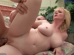 Monik is a good looking mature blonde with hot body. Shaved cum-hole woman with big milk cans gets her anal hole screwed by throbbing hard pecker of her young fuck buddy. Watch busty mature wench gets her fudge packed