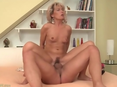Taut mom vagina bounces on big youthful jock