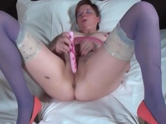 Big butt mature in blue stockings fucksa toy