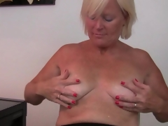 Belgium milf finger fucks her wet crack after an exhausting day