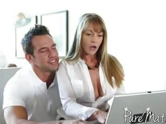 Shayla Laveaux bangs the computer guy
