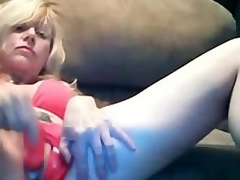 Pretty Blond Mamma Dildoing Creamy Pussy