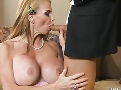 Busty milf Taylor Wane with admirable deepthroat skills